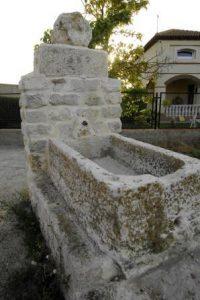 Fuente con pilón en Esguevillas de Esgueva